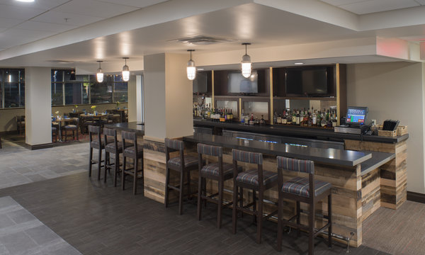 Four Points by Sheraton Charleston Bar