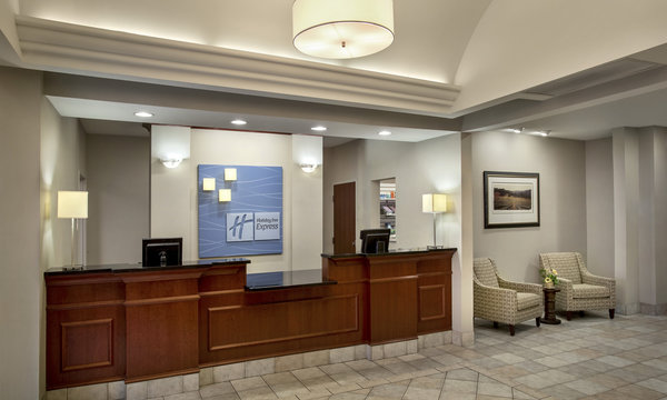 Holiday Inn Express & Suites East Greenbush Lobby