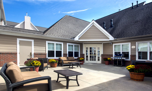 Residence Inn East Greenbush Courtyard
